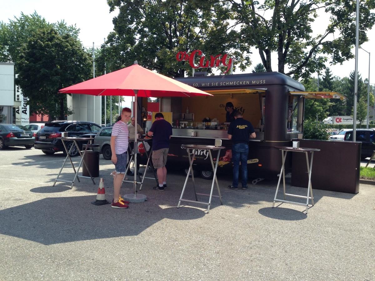O's Gourmet Grillwagen im Einsatz