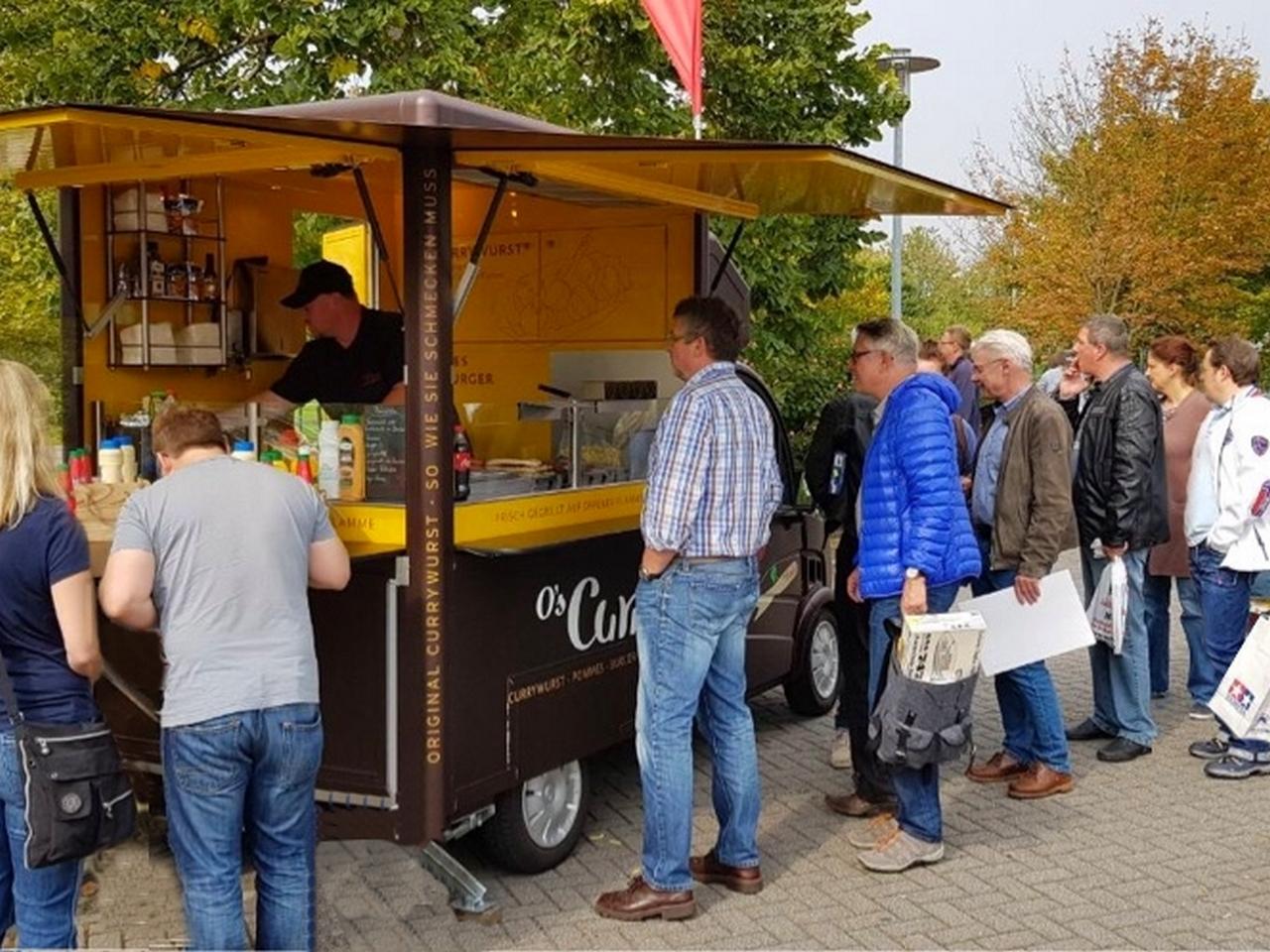 Foodtruck-Catering und wechselnde Standorte. O's Curry Mainz on Tour