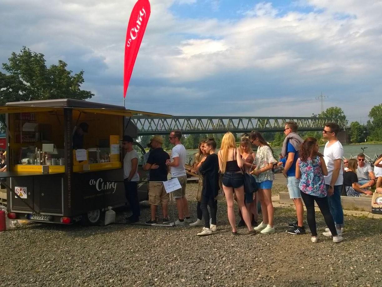 O's Food Truck Catering an der Uferpromenade
